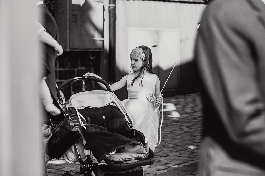 Hochzeitsgäste Kinderwagen