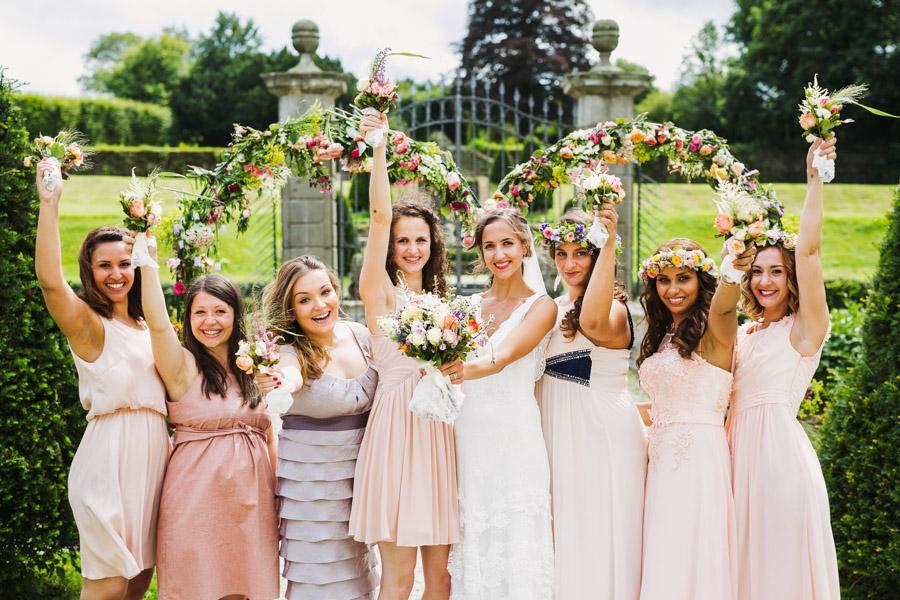 Braut Tauzeuginnen Gruppenfoto