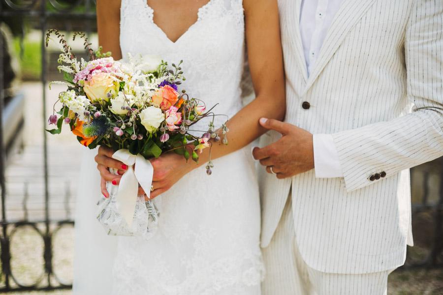 Hochzeit Brautpaarshooting Brautstrauß