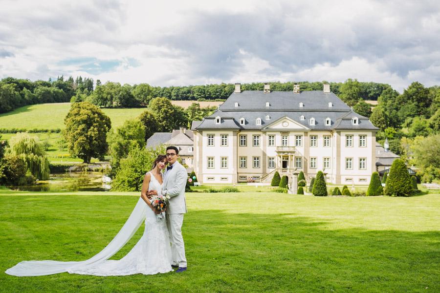 Hochzeit Brautpaarshooting Schloss