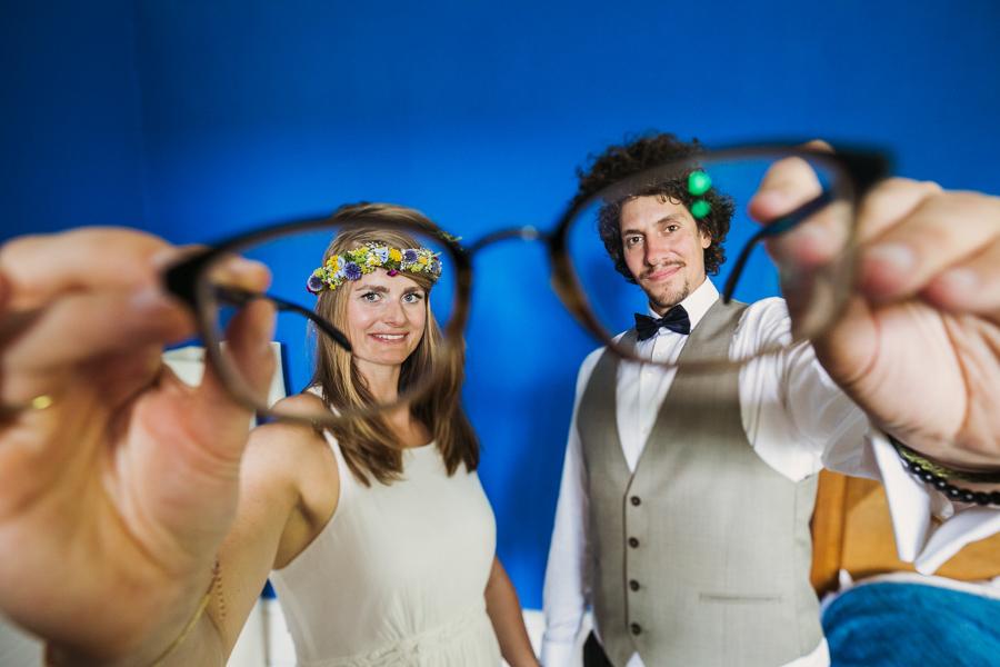 Brautpaar Hochzeitsshooting Brille