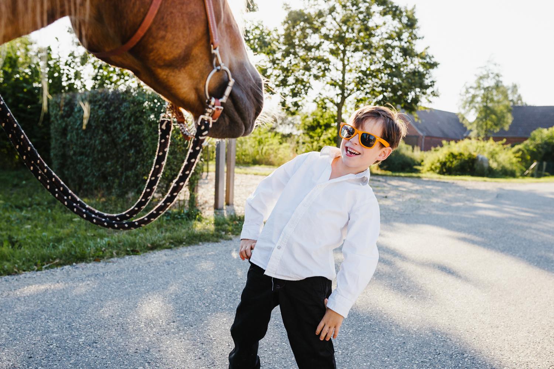 Kind Pferd