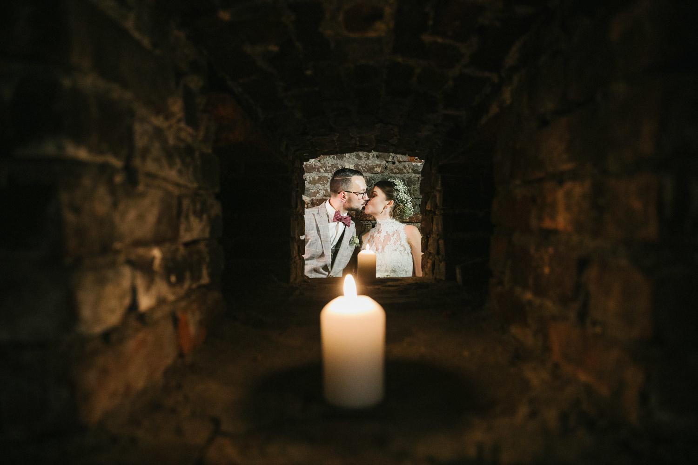 Brautpaarshooting im Kerzenlicht