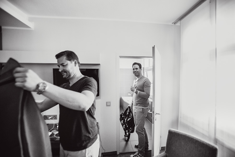 Bräutigam Getting Ready