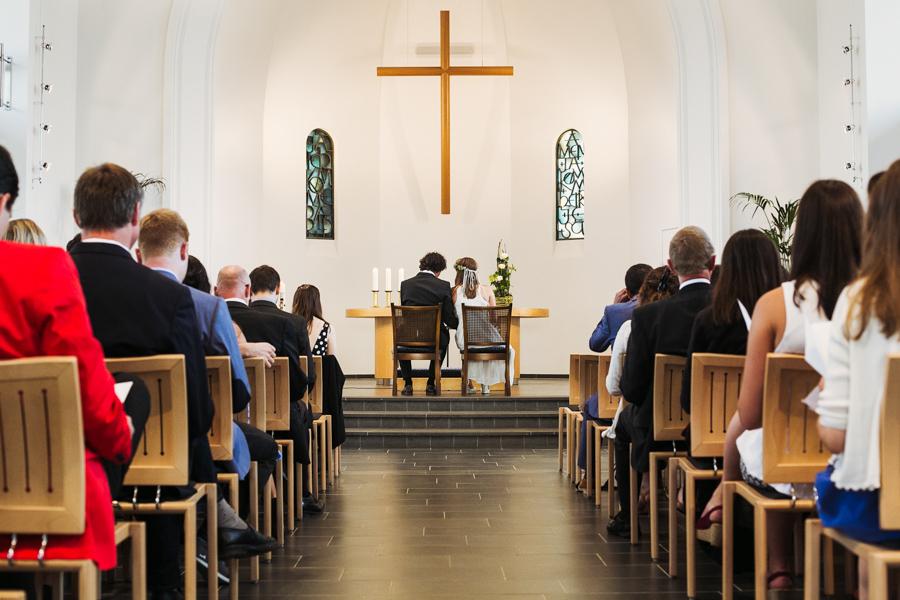 Trauung Kirche Brautpaar