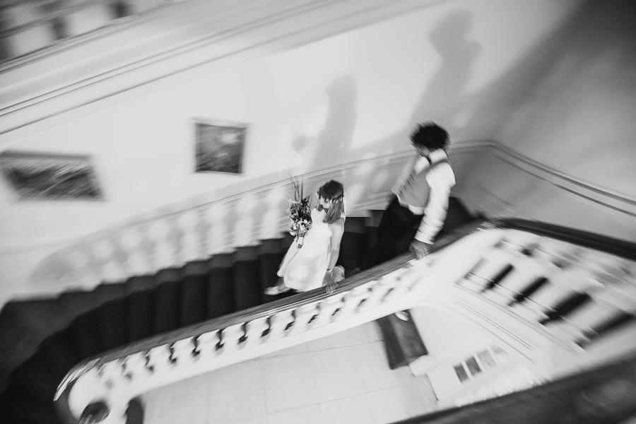 Brautpaar Hochzeitsshooting Treppe