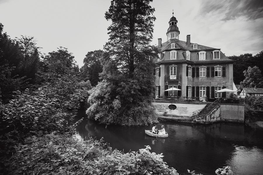 Brautpaar Schloss Paddelboot
