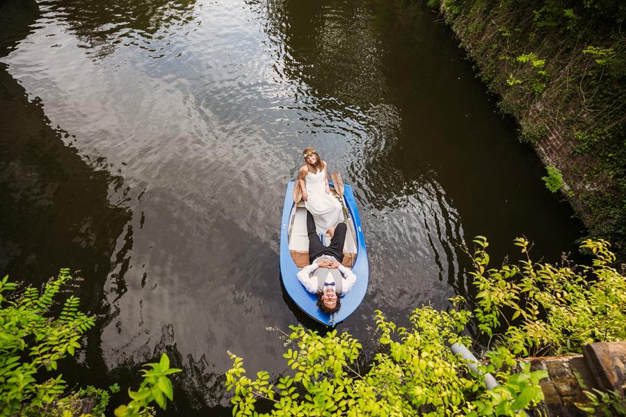 BrautpaarHochzeitsshooting Paddelboot