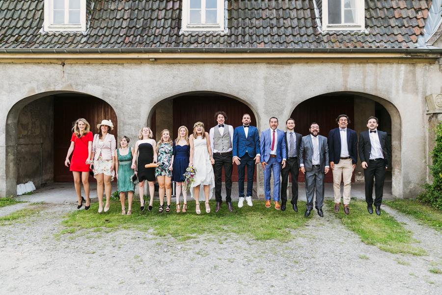 Hochzeit Gruppenfoto Sprung