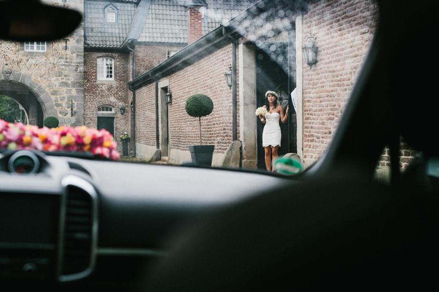 Hochzeit Brautpaarshooting Auto