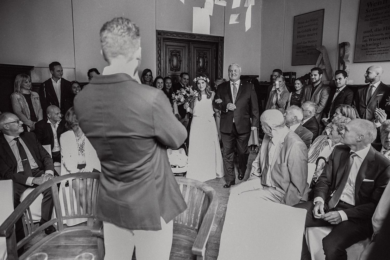 Trauung Einzug Braut