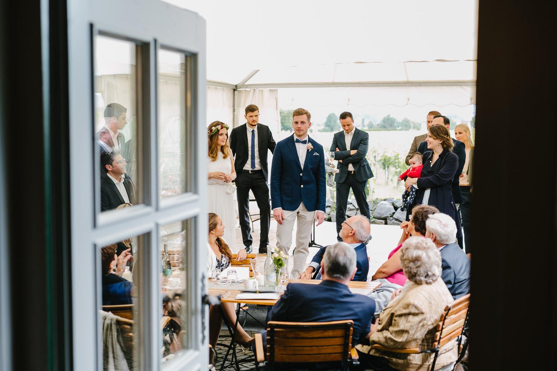 Hochzeitsgäste Feier Brautpaar