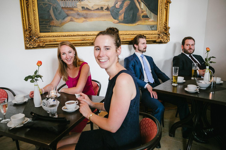 Cafe Gäste