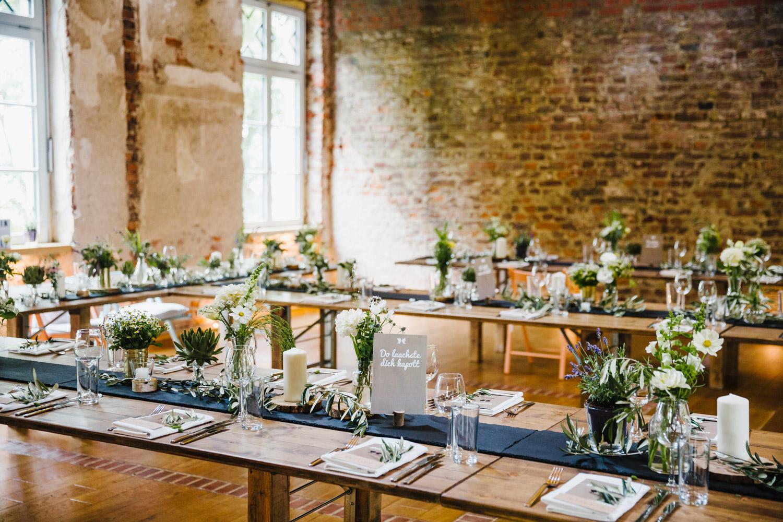 Blumendeko Hochzeitslocation