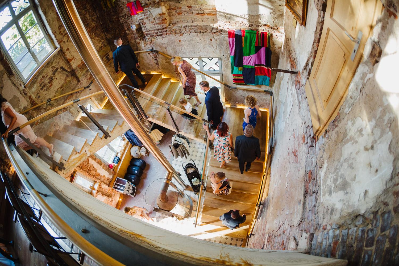 Treppen zum Hochzeitssaal