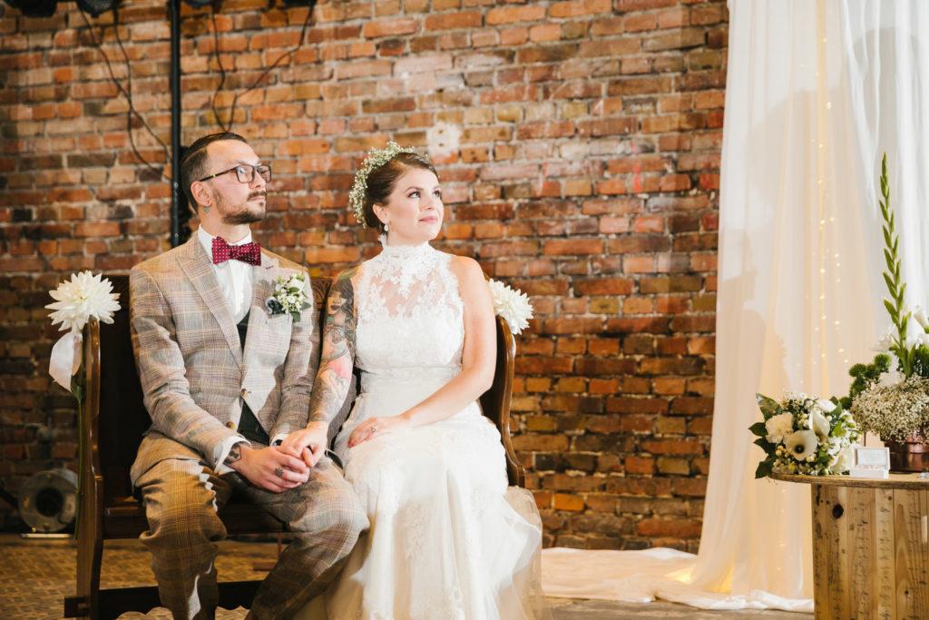 Ihr Hochzeitsfotograf aus der Nähe von Solingen weiß auch die kleinen Momente einzufangen.