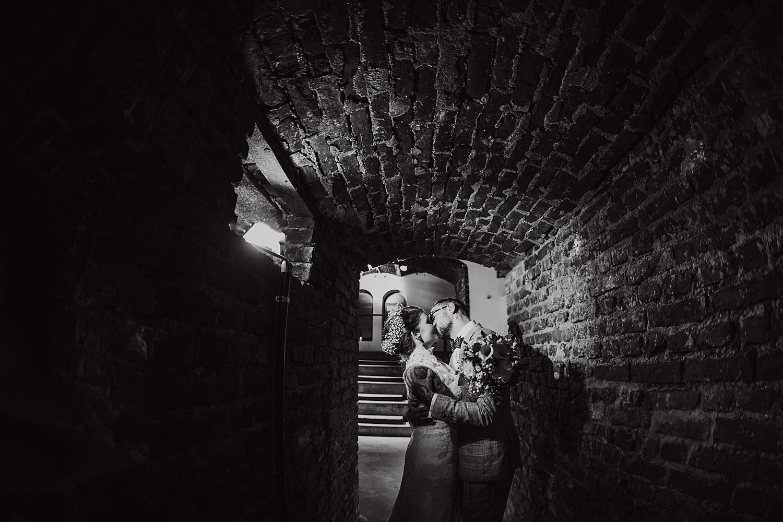 Brautpaarshooting in der Hochzeitslocation
