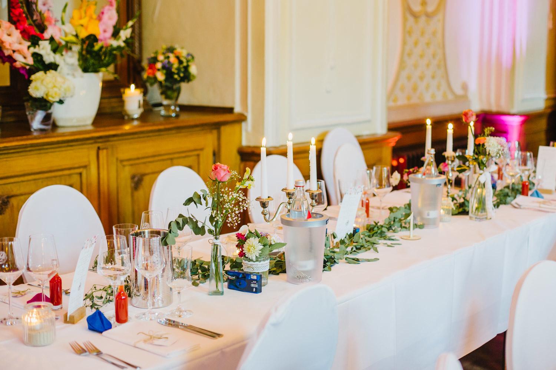 Tischdekoration der Hochzeitsfeier