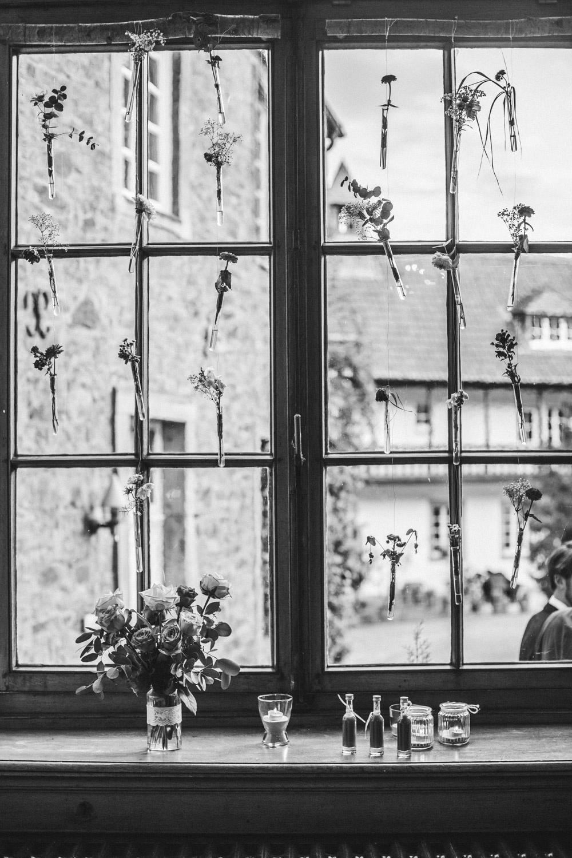 Fensterdekoration im Schloss Schellenberg