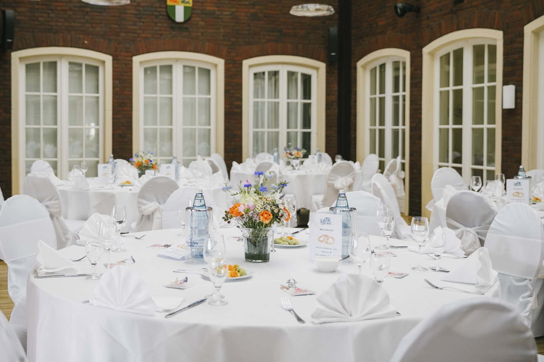 Tischdekoration Hochzeitssaal